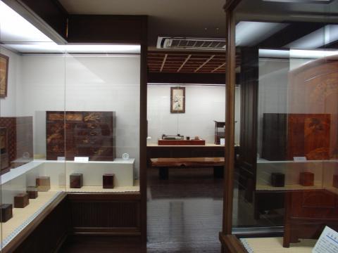 本間寄木美術館