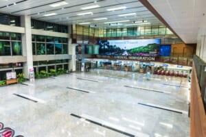 シンガポールの空港には赤ちゃん連れの優先入国審査レーン有り