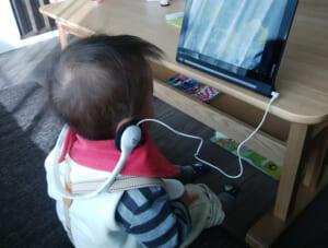 赤ちゃんとのお出かけに必須、最強の『ぐずり対策』グッズはコレ
