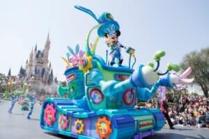 東京ディズニーランドのイースターパレード「うさたま大脱走!」JAL協賛で2パーク同時開催