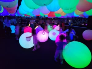 チームラボ 未来の遊園地in阪急うめだ:ボールの部屋