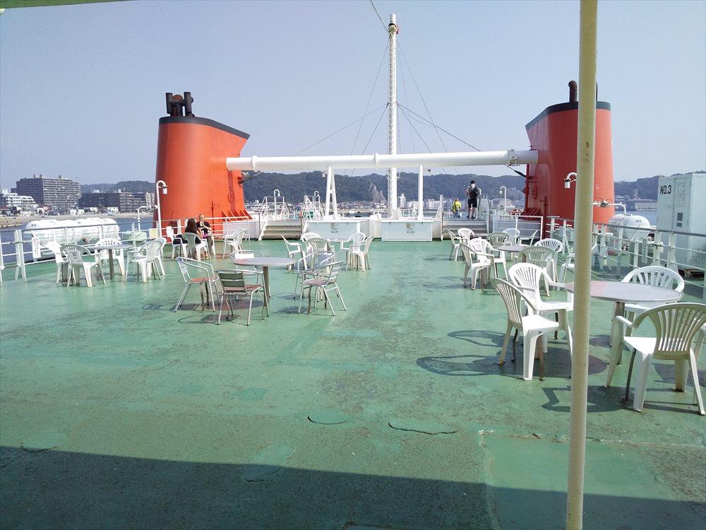 東京湾フェリーのデッキ