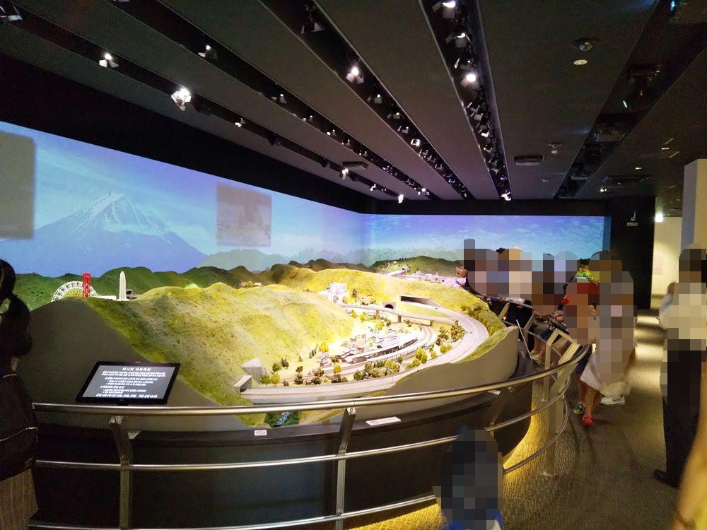 リニア見学センター ジオラマの展示