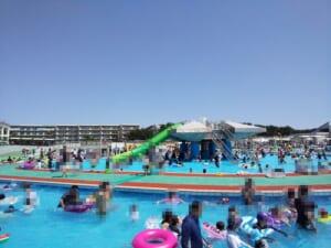 辻堂海浜公園プールへ、駐車場は満車で水温は36℃…
